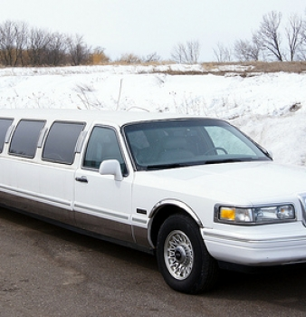 Top Reasons Why You Should Hire The Lincoln Stretch Limousine From Eilat Limousine
