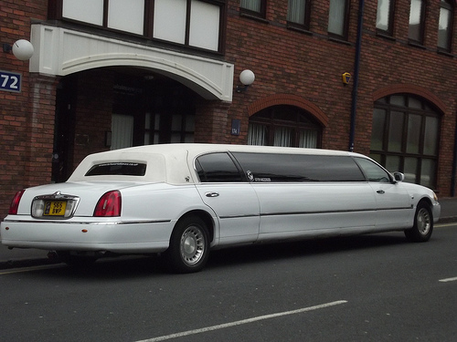 Top 4 Places In And Around New York To Explore With Your Limo Van